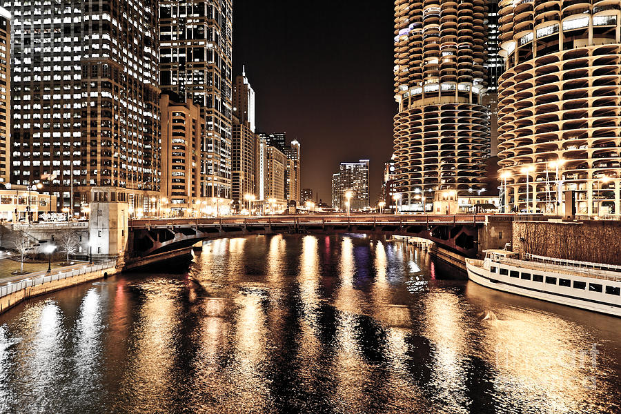 America Photograph - Chicago Skyline At State Street Bridge by Paul Velgos