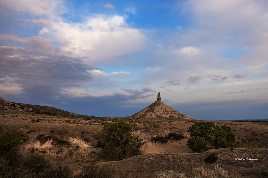 Western Nebraska Photograph - Chimney Rock On The Oregon Trail by Edward Peterson