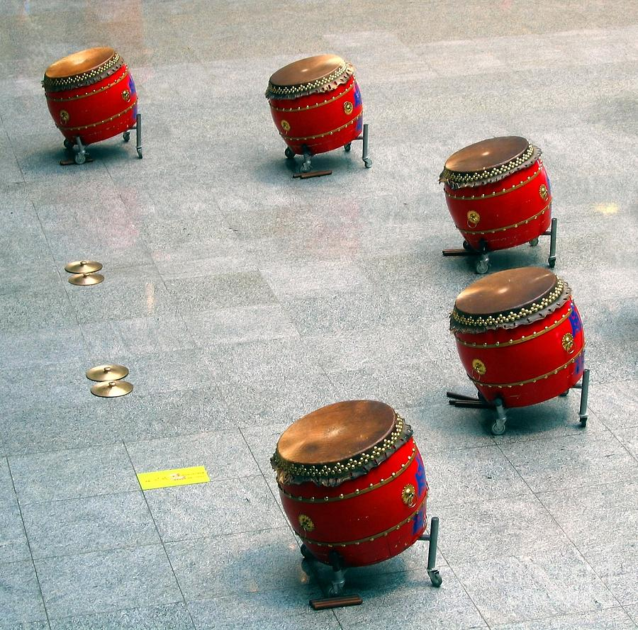 Tagu Photograph - Chinese Drum Set by Yali Shi
