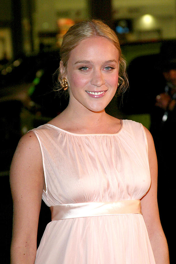 Premiere Photograph - Chloe Sevigny At Arrivals For Big Love by Everett