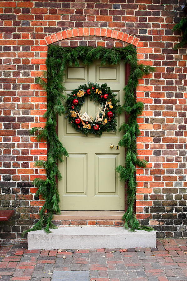 Christmas Door Photograph By Sally Weigand
