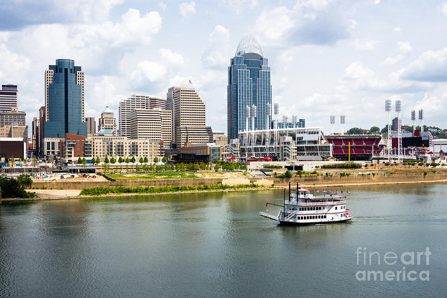 2012 Photograph - Cincinnati Skyline With Riverboat Photo by Paul Velgos