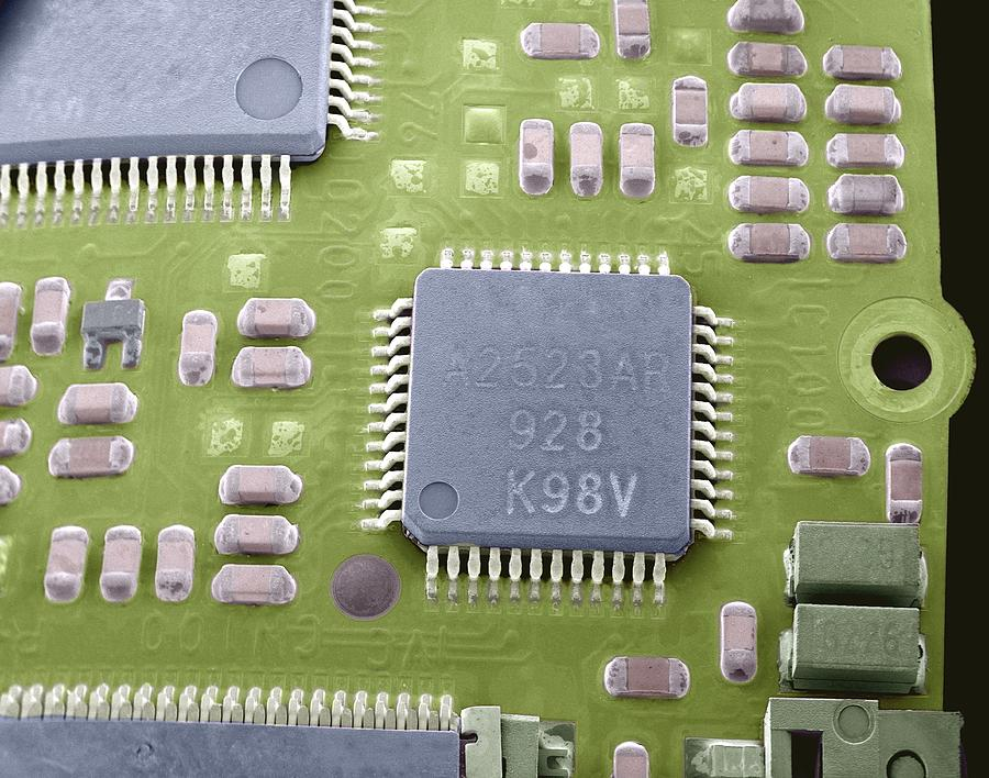 Microchip Photograph - Circuit Board Microchip, Sem by Steve Gschmeissner
