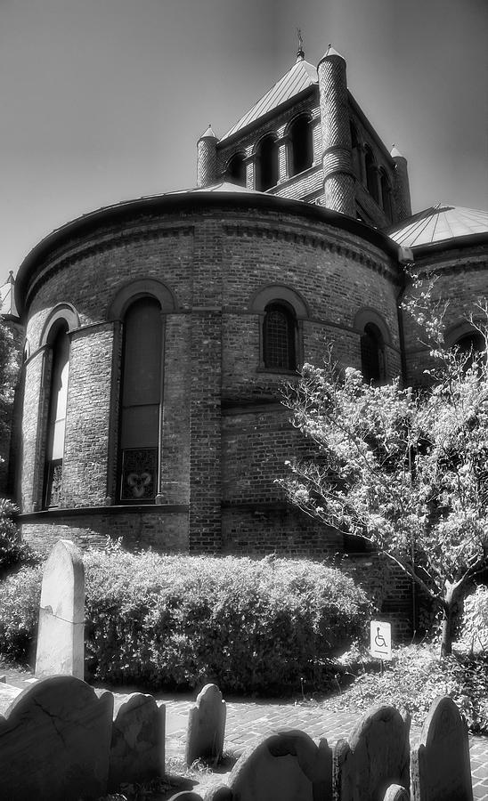Churchyard Photograph - Circular Congregational Church One by Steven Ainsworth