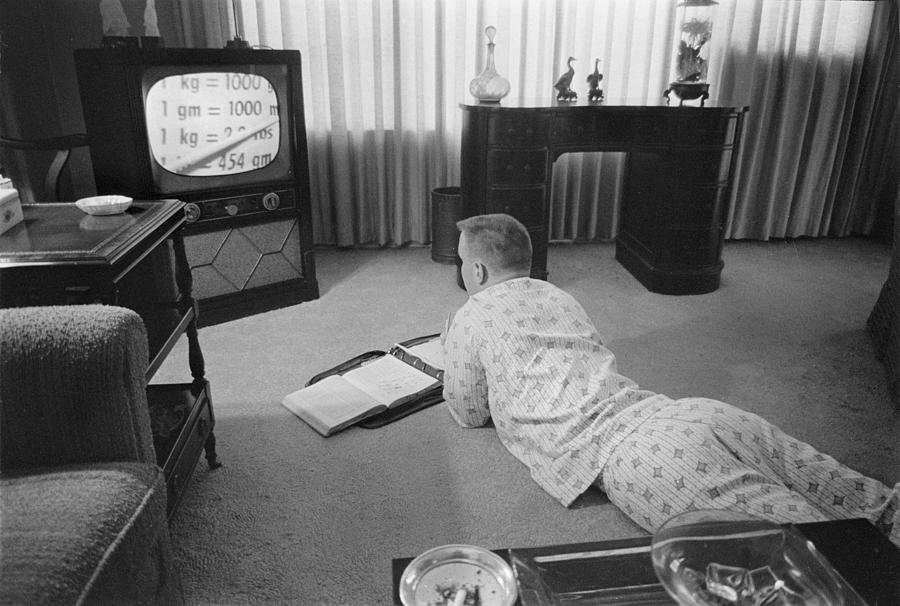 20th Century Photograph - Civil Rights, Classes On Television by Everett