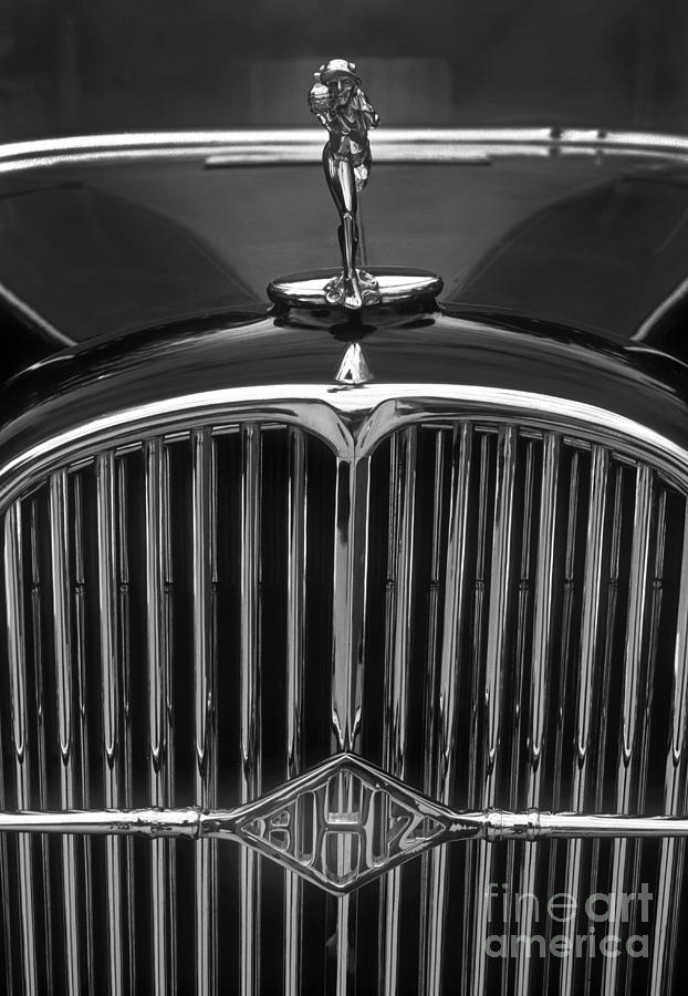 Classic 32 Buick Grill Emblem Photograph By Paul W Faust