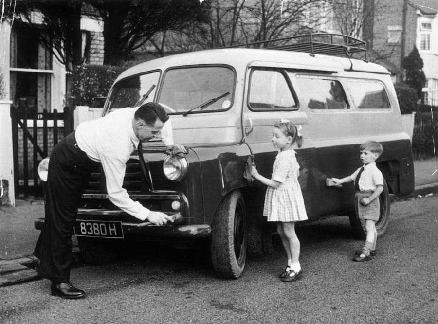 Child Photograph - Clever Dad by John Drysdale