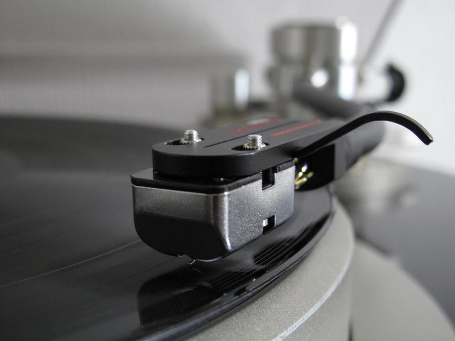 Horizontal Photograph - Close Up Of Record Player by Hiroshi Uzu
