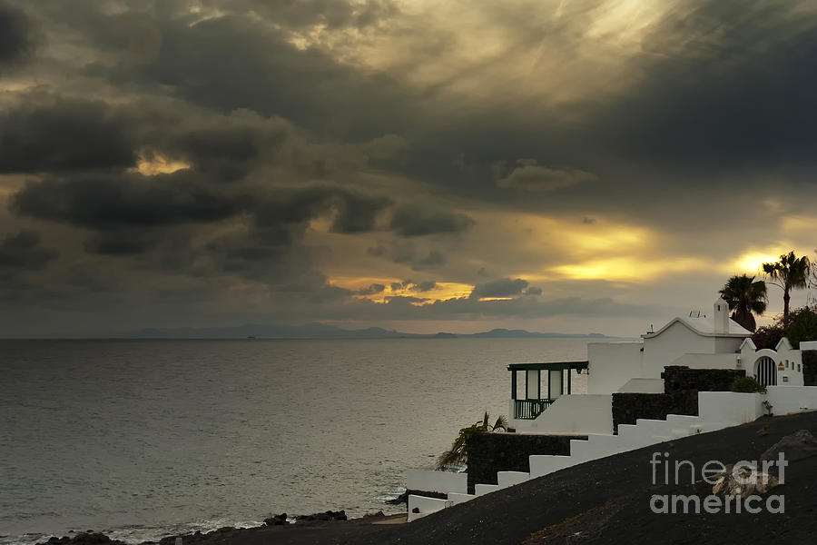 Canary Islands Photograph - Cloudy Sunset by Roberto Bettacchi