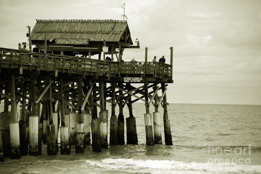 Pier Photograph - Cocoa Beach Fl II by Susanne Van Hulst