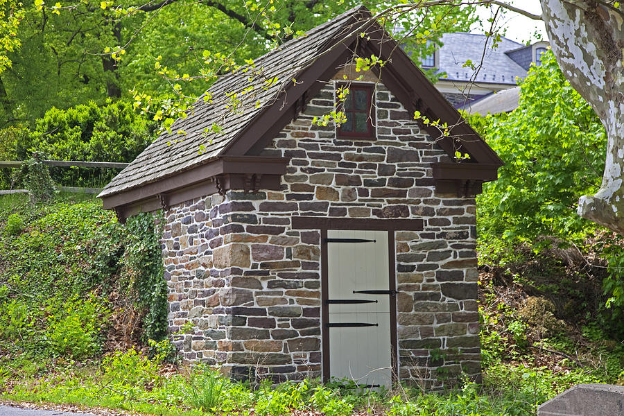 Colonial Stone Ice House Photograph By John Stephens