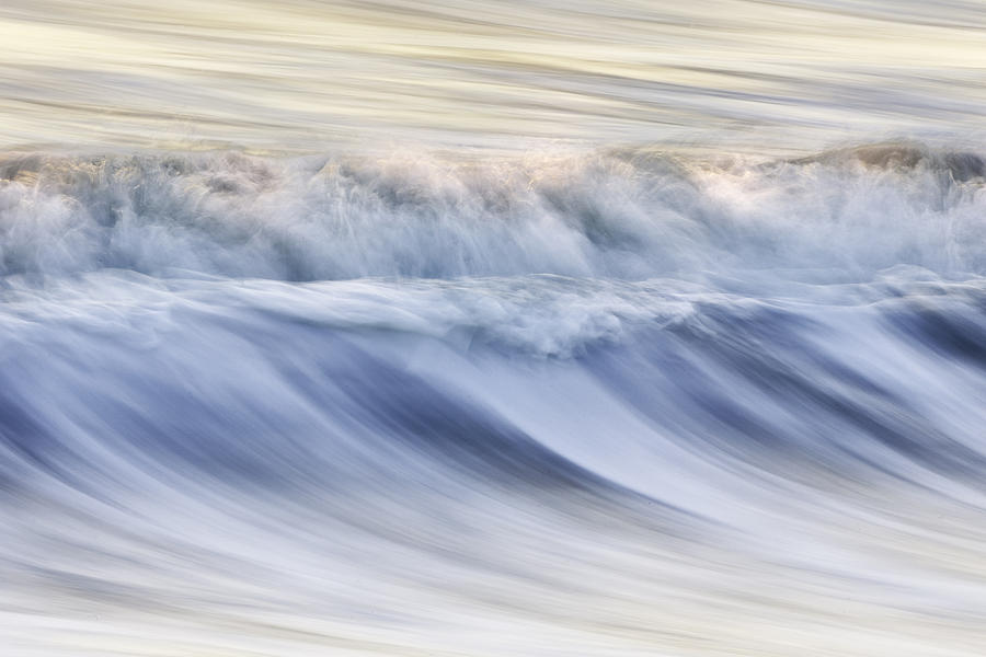 Color Photograph - Color Wave IIi by Rob Travis