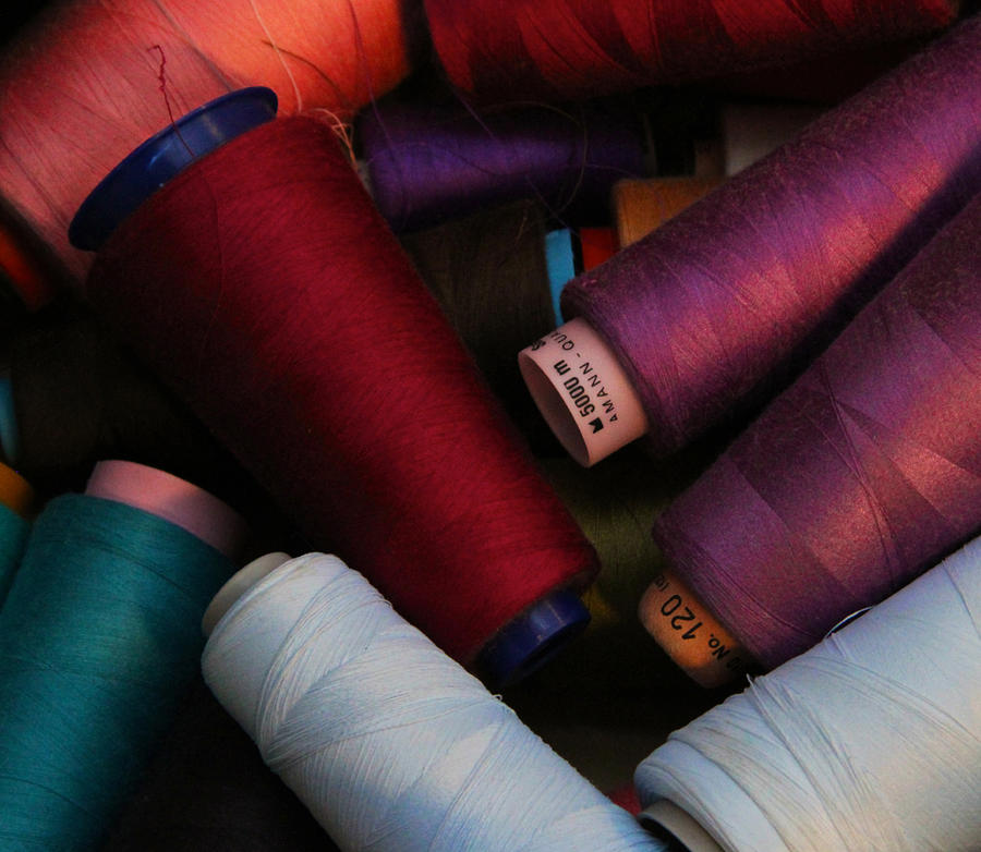 Thread Photograph - Colored Thread by Odd Jeppesen