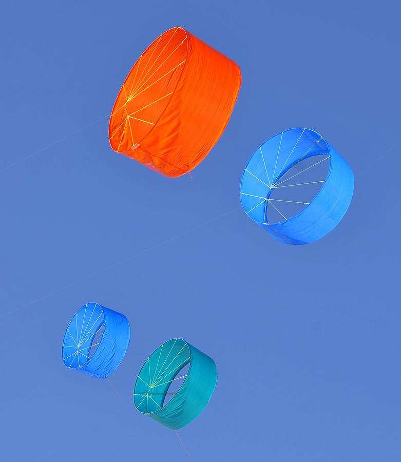 Kites Photograph - Colorful Kites by David Lee Thompson