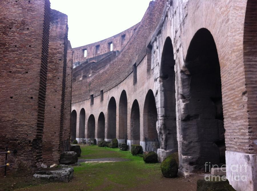 Colosseum Photograph - Colosseum Vomitorium by Richard Chapman