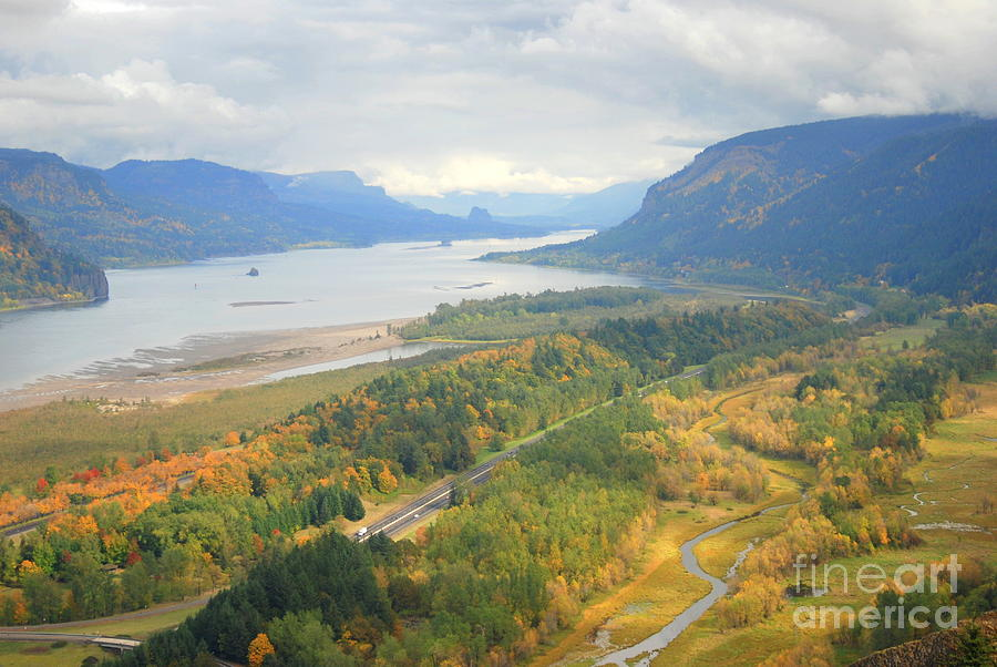 Columbia River Valley Fall Photograph By Vicki Coover