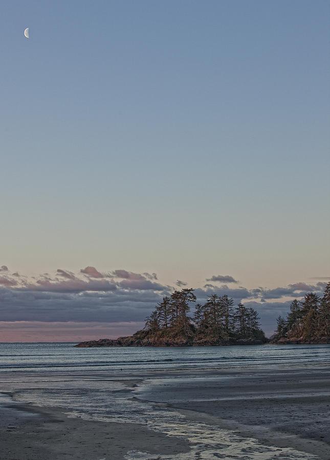 Light Photograph - Combers Beach At Dawn, Tofino, British by Robert Postma