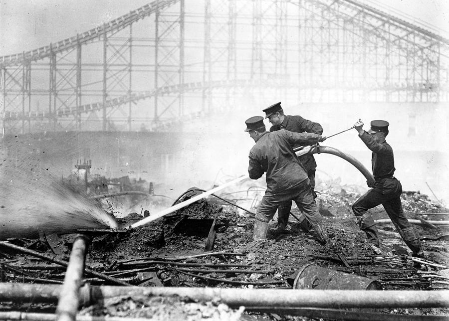 1910s Photograph - Coney Island, The Dreamland Fire, Men by Everett