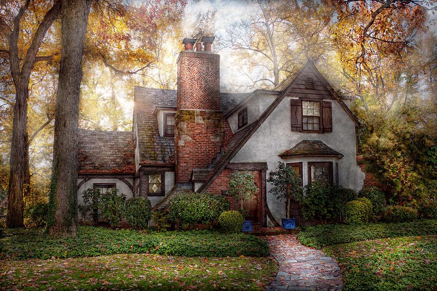 Cottage Photograph - Cottage - Westfield Nj - Grandma Ridinghoods House by Mike Savad