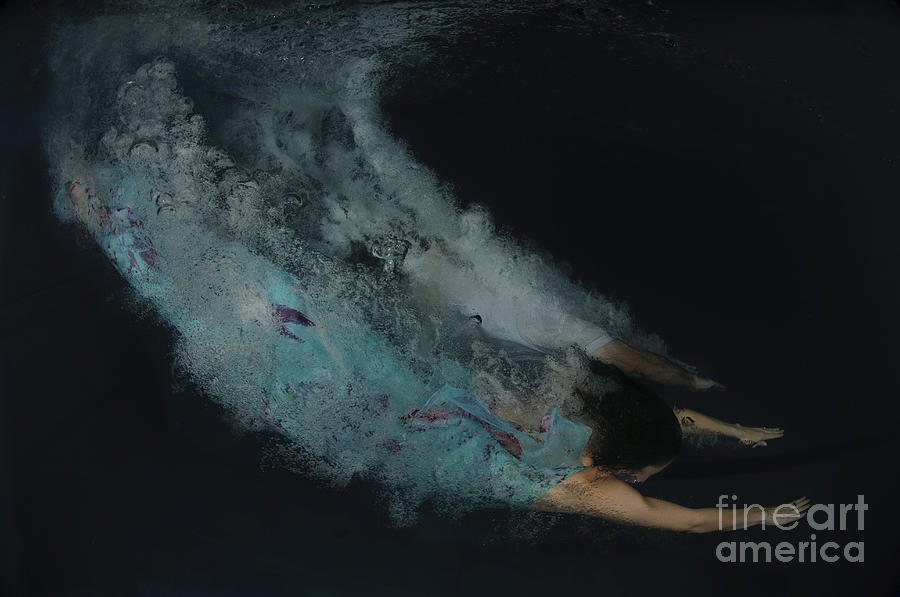 Skill Photograph - Couple Dive Together Into Water. by Hagai Nativ
