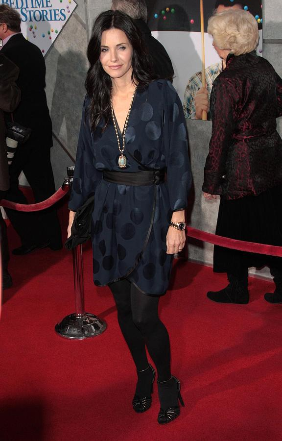 Premiere Photograph - Courteney Cox Wearing A Marc Jacobs by Everett