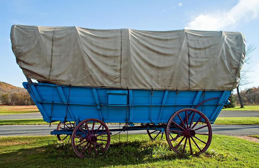 Pennsylvania Photograph - Covered Wagon by Steve Harrington