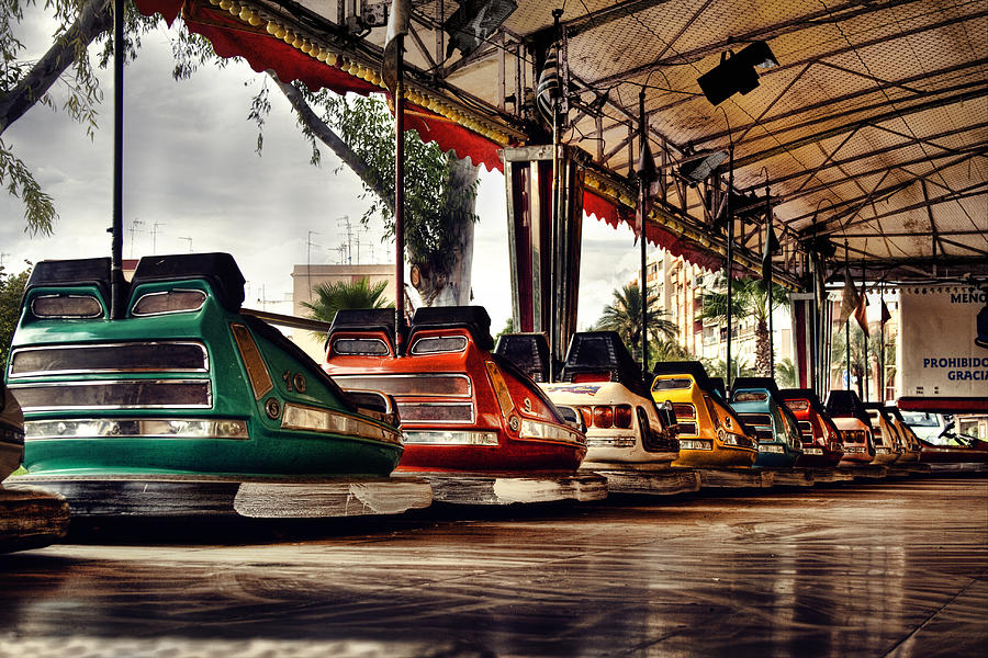 Cars Photograph - Crash Cars by Gabriel Calahorra