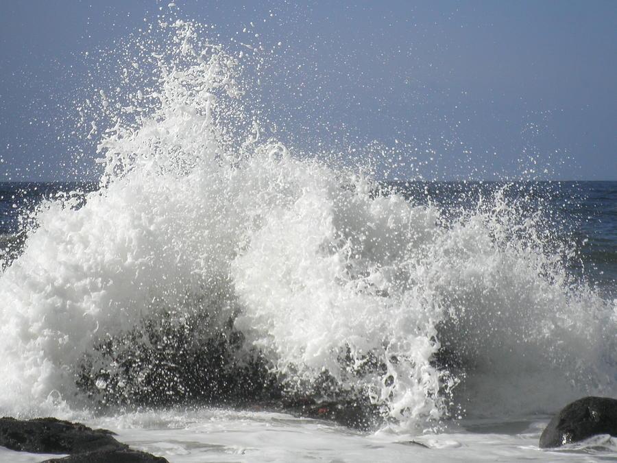 Waves Photograph - Crashing by Elizabeth  Ford