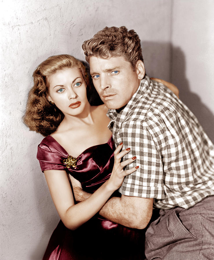 1940s Movies Photograph - Criss Cross, From Left Yvonne De Carlo by Everett
