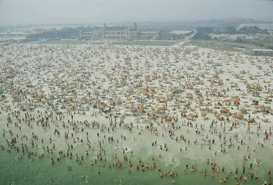 Crowds Photograph - Crowds Of People At Jones Beach by Robert Sisson