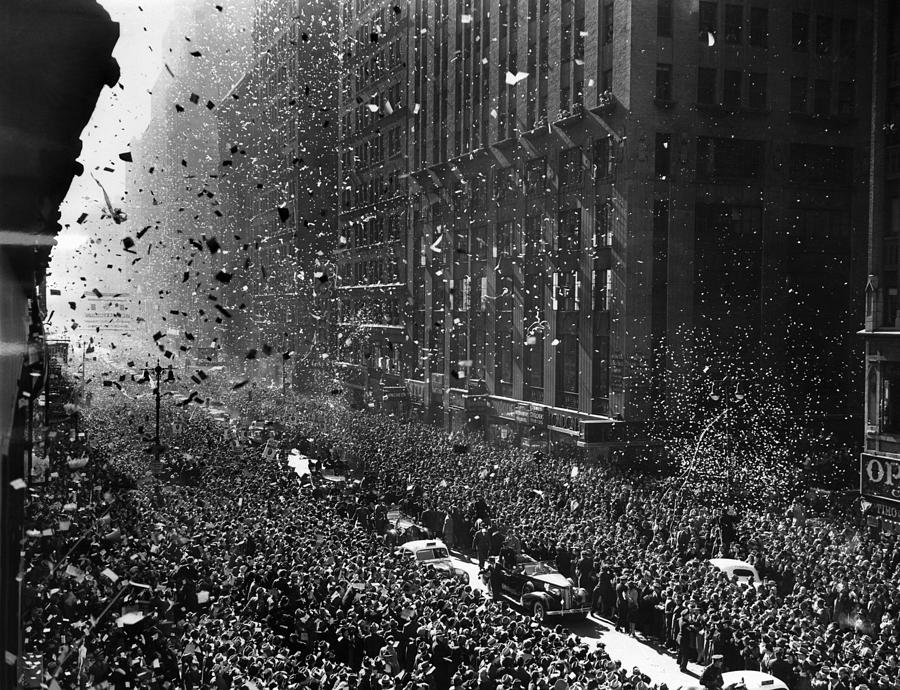 1940s Photograph - Crowds On Seventh Avenue In New York by Everett