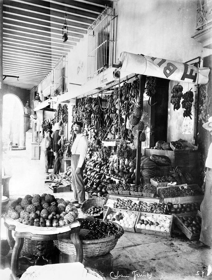 1910 Photograph - Cuba Fruit Vendor C1910 by Granger