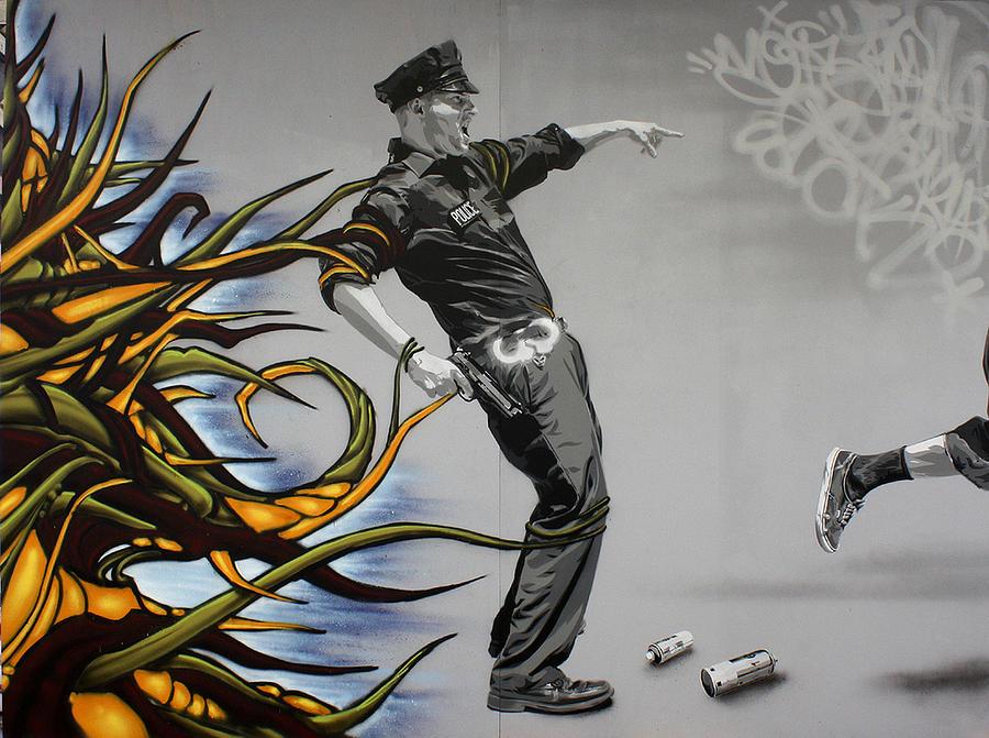 Graffiti Painting - Da Vine Apprehension by Stenz Skull