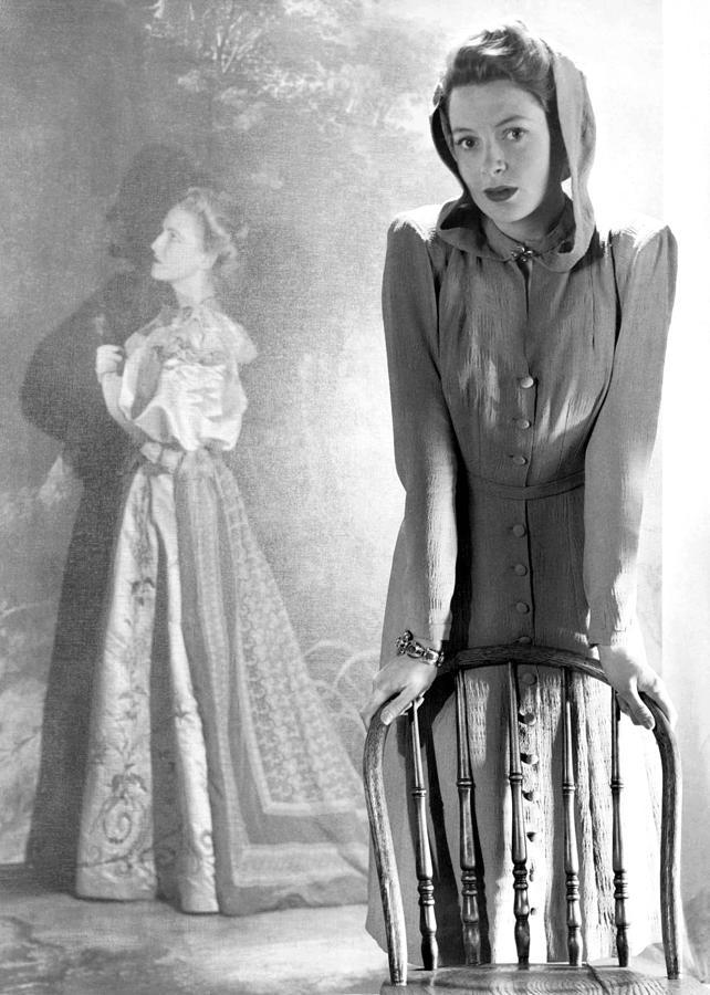 Buttons Photograph - Deborah Kerr, Circa 1940s by Everett