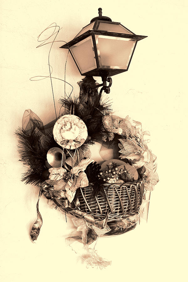Holiday Photograph - Decorative Holiday Basket With Lamp by Linda Phelps