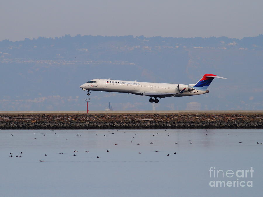 iphone picture printer delta airlines jet airplane at san francisco international 12134