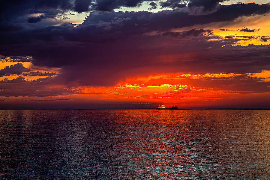 Duluth Photograph - Departing At Dawn by David Wynia