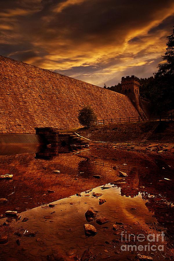 Derwent Dam Pyrography - Derwent Overflow by Nigel Hatton
