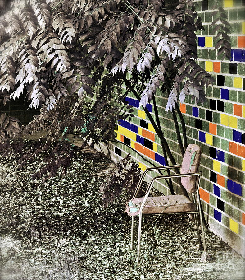 Chair Photograph - Design On A Dime by Gwyn Newcombe