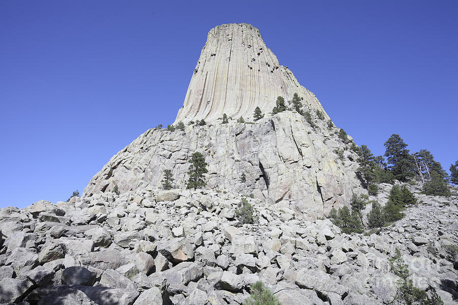 Steep Photograph - Devils Tower National Monument, Wyoming by Richard Roscoe
