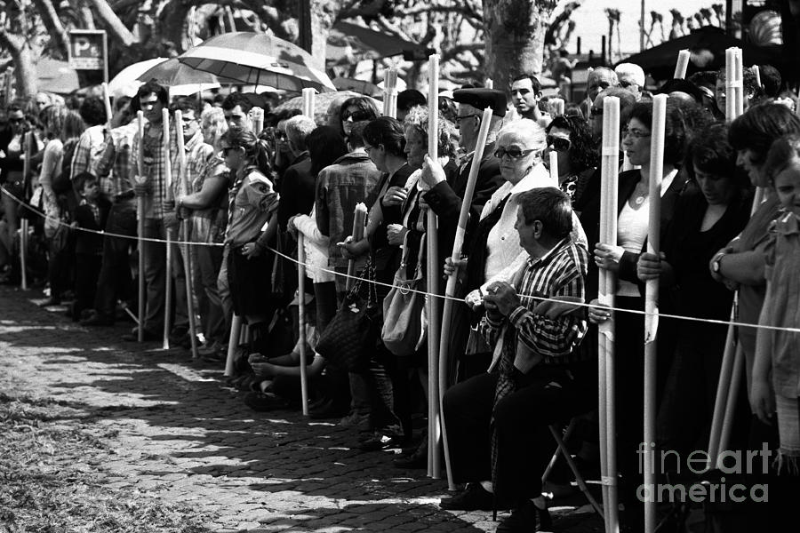 People Photograph - Devotees by Gaspar Avila