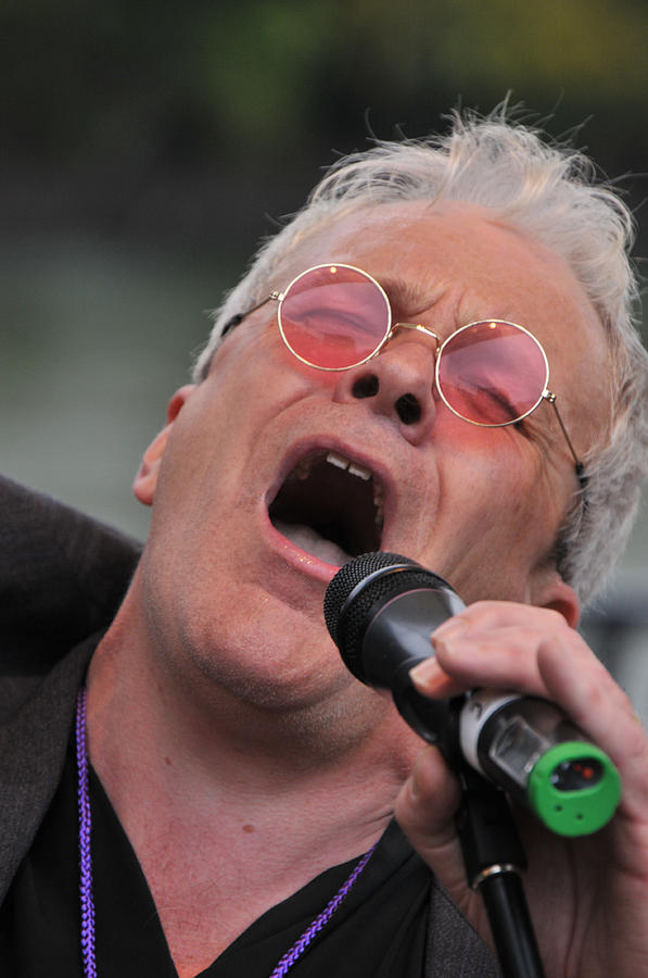 Sing Photograph - Dicey Riley Frontman by Mike Martin