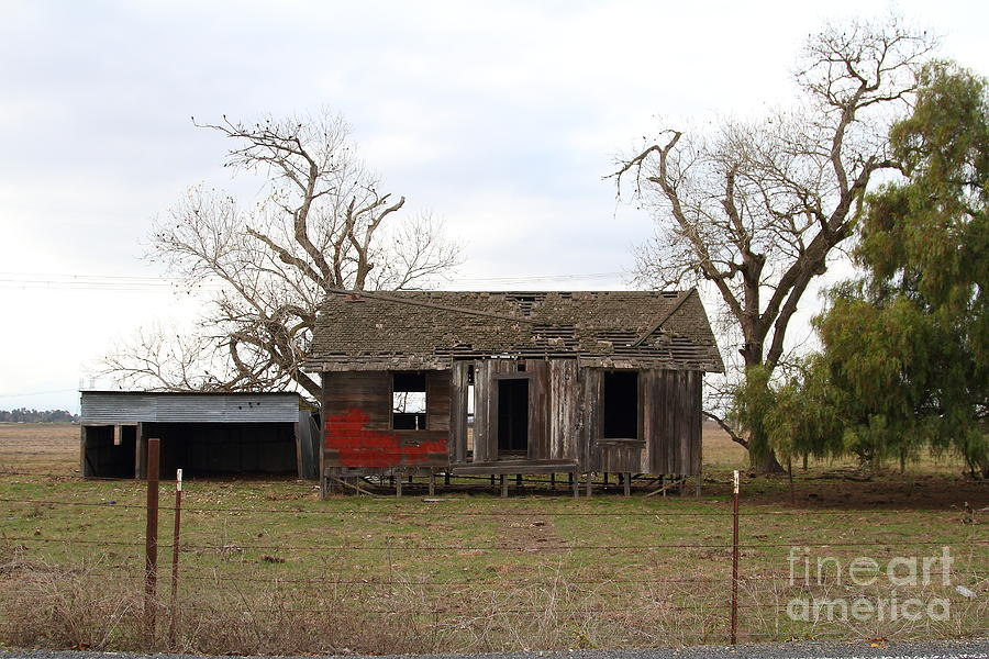 House Photograph - Dilapidated Old Farm House . 7d10341 by Wingsdomain Art and Photography