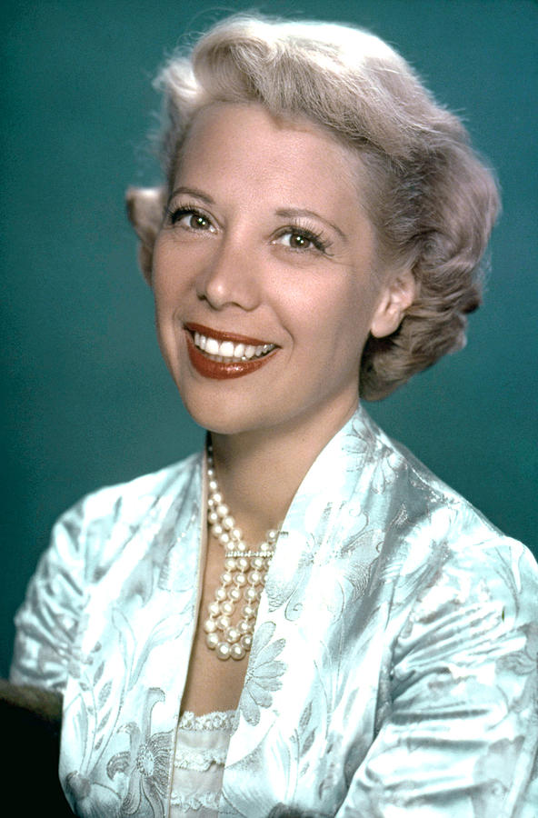 Pearl Necklace Photograph - Dinah Shore, Ca. 1950s by Everett