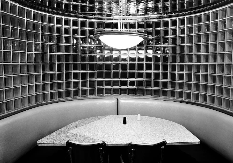 Black And White Photograph - Dining In Black And White by David Lee Thompson