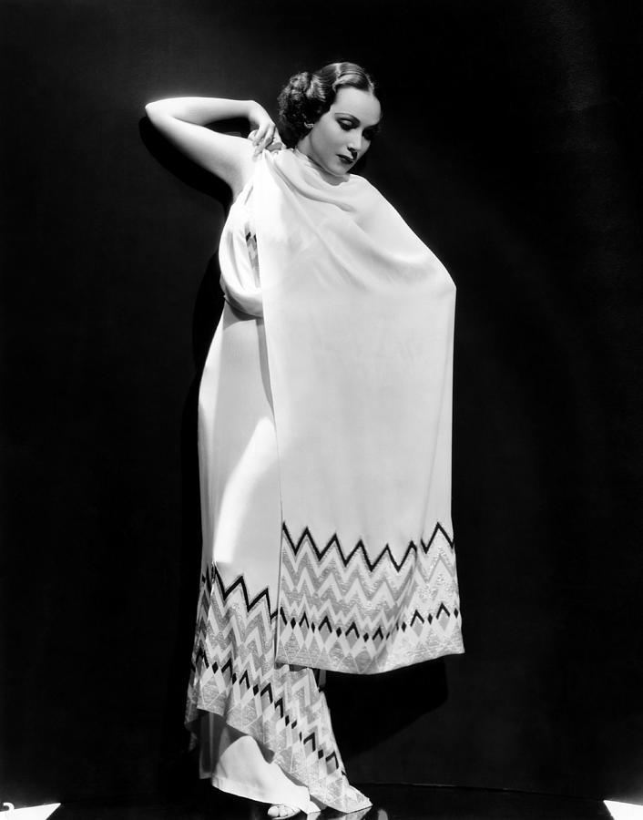 Del Rio Photograph - Dolores Del Rio, 1935 by Everett