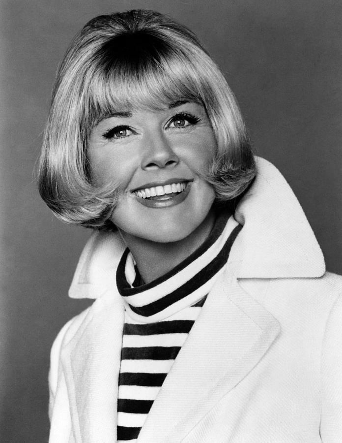 1960s Portraits Photograph - Doris Day, Mgm, Mid-1960s by Everett