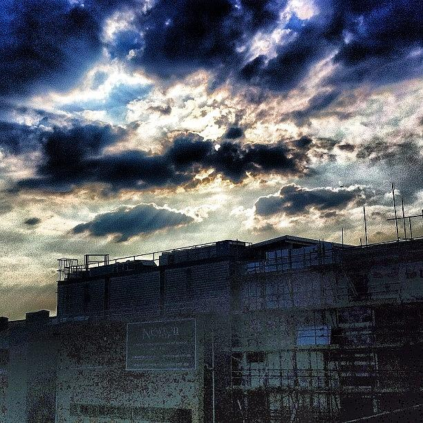 Picture Photograph - Dramatic London Sky by Samuel Gunnell