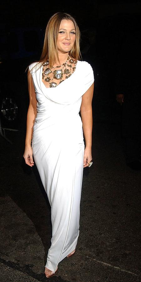 Premiere Photograph - Drew Barrymore Wearing A Donna Karan by Everett