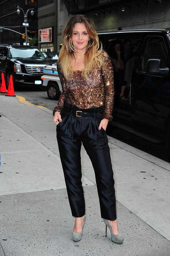 Drew Barrymore Photograph - Drew Barrymore Wearing A Richard Chai by Everett